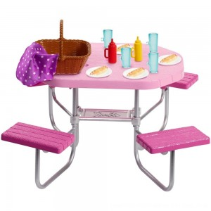 Black Friday 2020 - Barbie Picnic Table Accessory