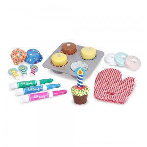 Black Friday 2020 - Melissa & Doug Bake and Decorate Wooden Cupcake Play Food Set