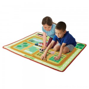 Black Friday 2020 - Melissa & Doug Round the Barnyard Farm Rug, Kids Unisex